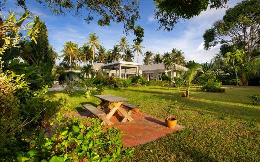 3 bedroom Bali style villa lawned garden